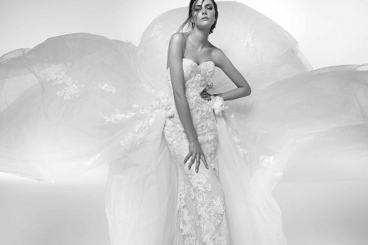 Uno degli abiti da sposa firmato Alessandra Rinaudo