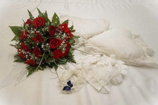 Le fedi, il cuscino e il bouquet