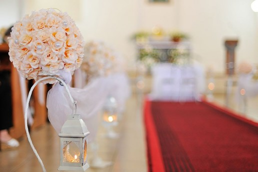 allestire addobbo in chiesa per matrimonio